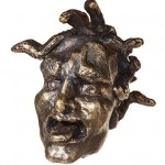 GORGO MEDUSA - Elektron 576 (gold-silver-alloy), 251 g, from series of grotesque heads 5.5 cm x 5.5 cm x 5.0 cm - Tilmann Krumrey, 2006